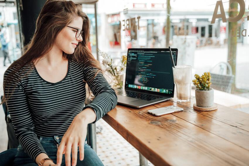 Freelance web developer – Working remotely